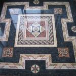 Мозаичный пол: керамическая, каменная и стеклянная мозаика