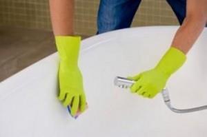 Чем чистить акриловую ванную