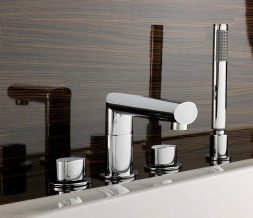 Врезной смеситель для ванной комнаты